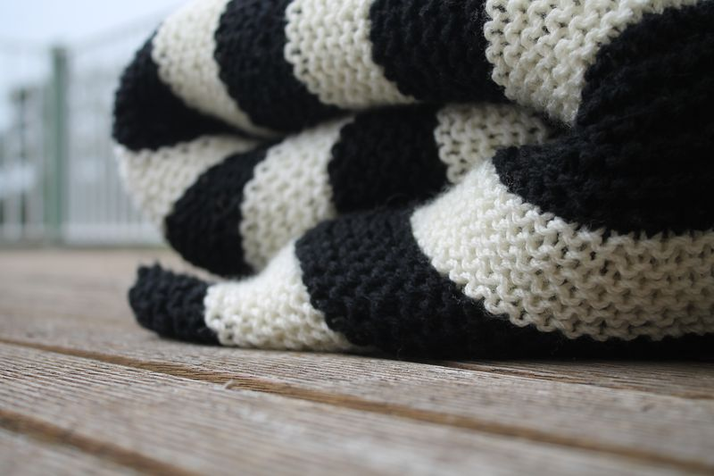 Knitted black and white blanket 074